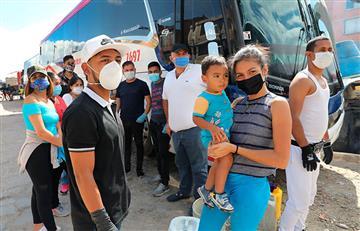 Miles de venezolanos que intentan llegar a su país continúan atrapados en Colombia