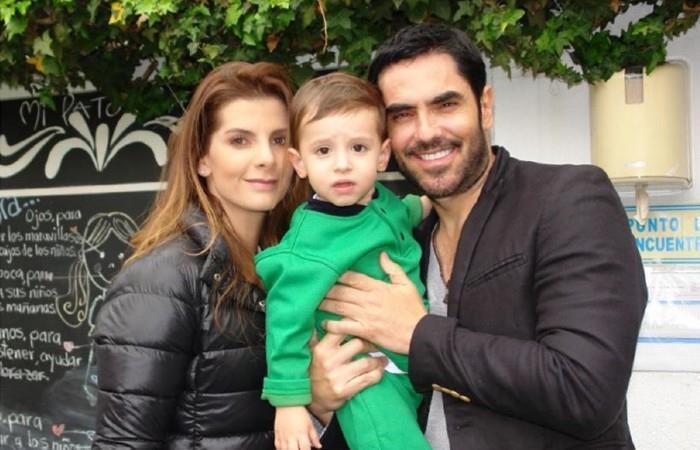 Carolina Cruz junto a su hijo Matías y su pareja Lincoln Palomeque. Foto: Instagram