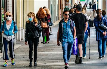 Italia sigue reportando cada vez menos contagios de COVID-19