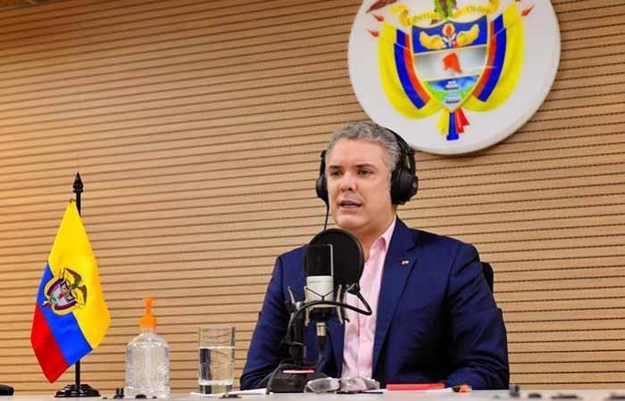 Presidente Iván Duque regreso fútbol colombiano Liga BetPlay Dimayor
