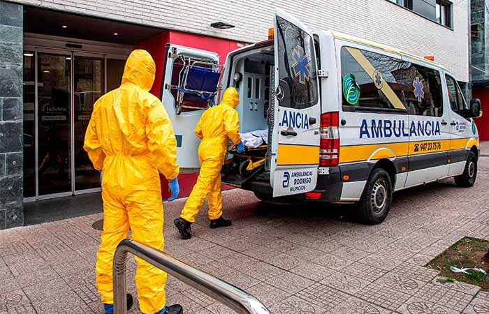 España sigue tomando medidas para evitar más casos de COVID-19. Foto: EFE