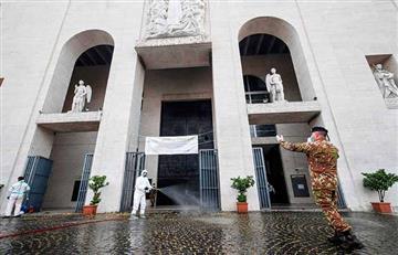 Las iglesias de Roma empezaron a desinfectarse para reanudar las misas