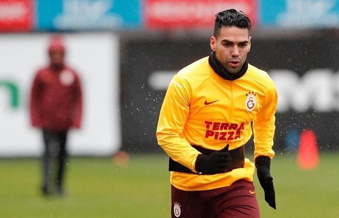 Suspenden entrenamientos Galatasaray Falcao García Besiktas Fenerbahce