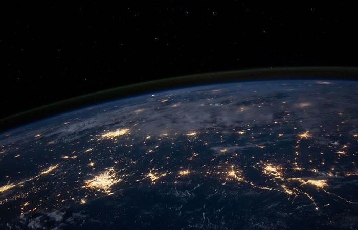 Ciencia: Núcleo Tierra Girando Investigación
