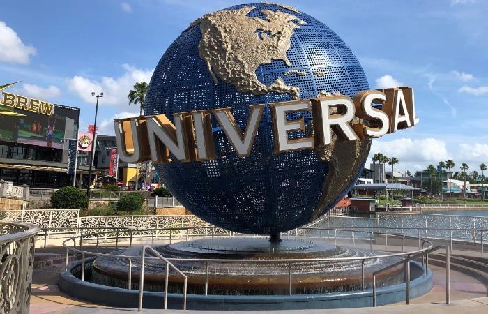 Planean reabrir Universal Orlando en junio con tapabocas