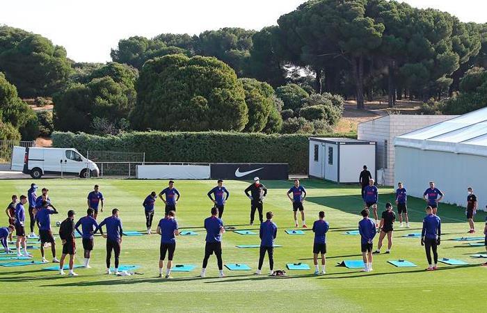 Fifpro por medio de sus sindicatos locales, ayuda a los futbolistas. Foto: EFE