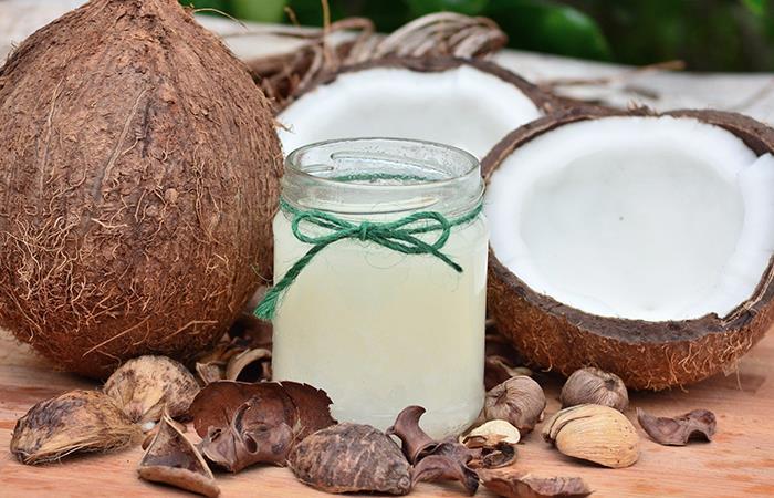 Múltiples usos del aceite de coco en la belleza. Foto: Pixabay
