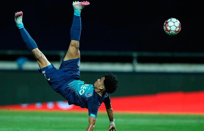 Luis Díaz hizo tremenda jugada en el partido. Foto: EFE