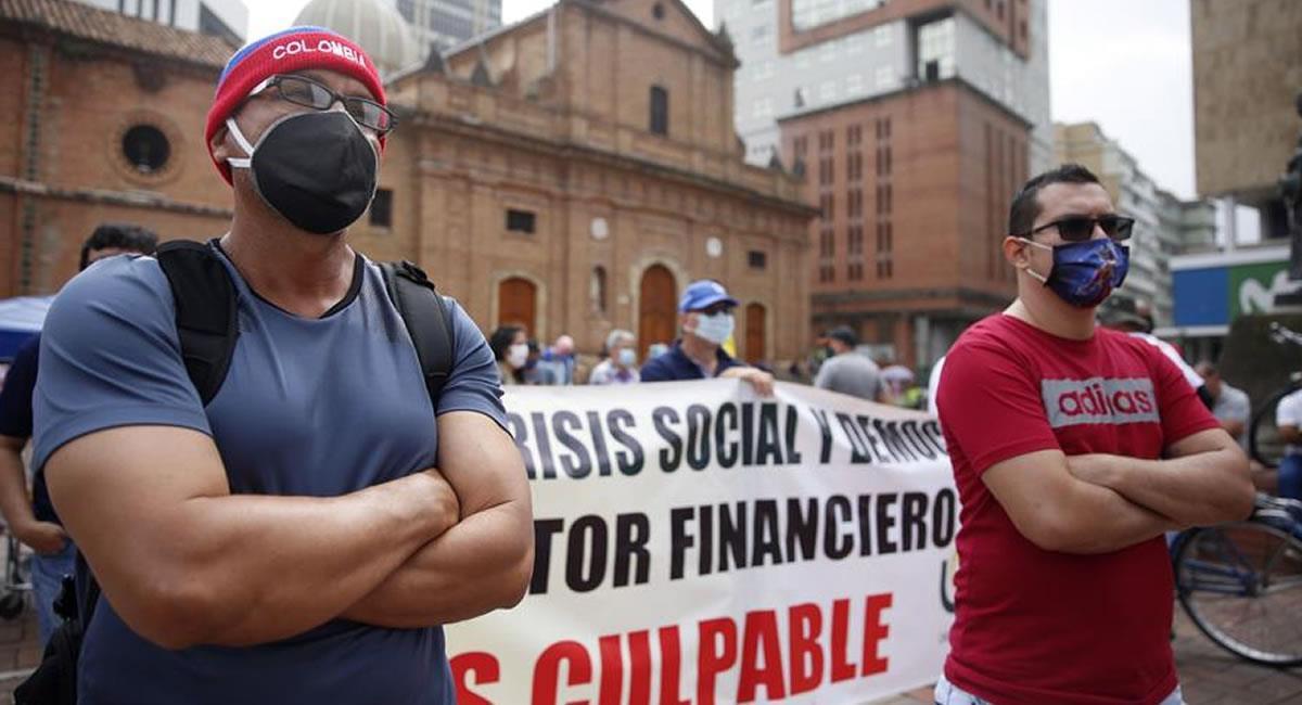 Los educadores protestaron por las propuestas del Gobierno Nacional. Foto: EFE