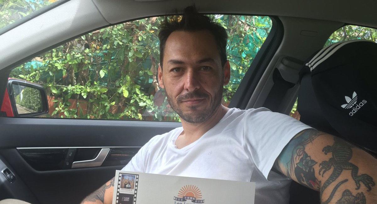 """Creador de 'Matarife' denuncia persecución de dos motos """"enviadas por el  uribismo"""""""