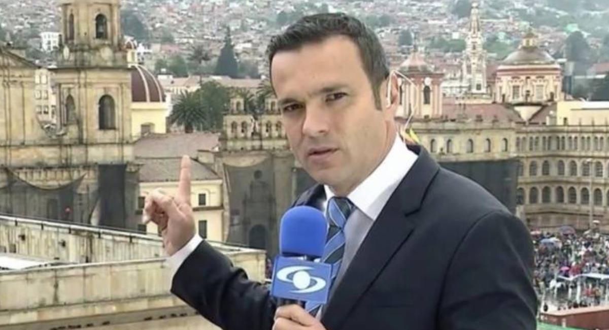 Alvira vuelve a protagonizar un cómico momento en Noticias Caracol. Foto: Instagram @juandiego.alvira.