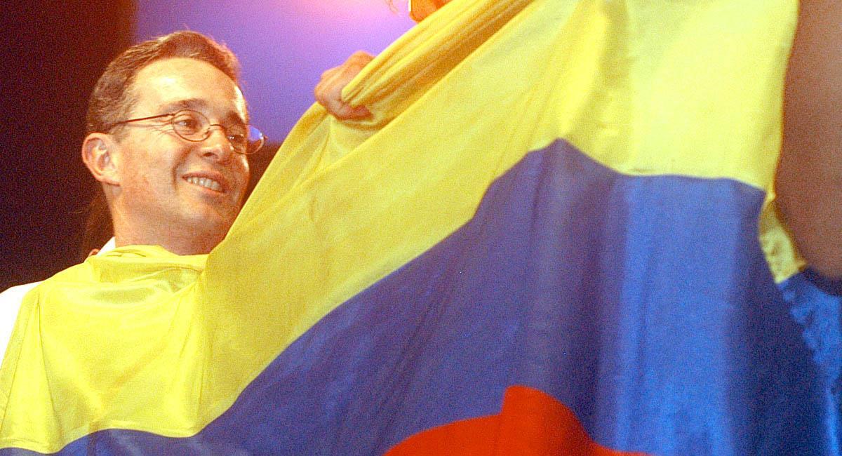 Álvaro Uribe durante su primer período como Presidente de Colombia (2002-2006). Foto: alvarouribe.com