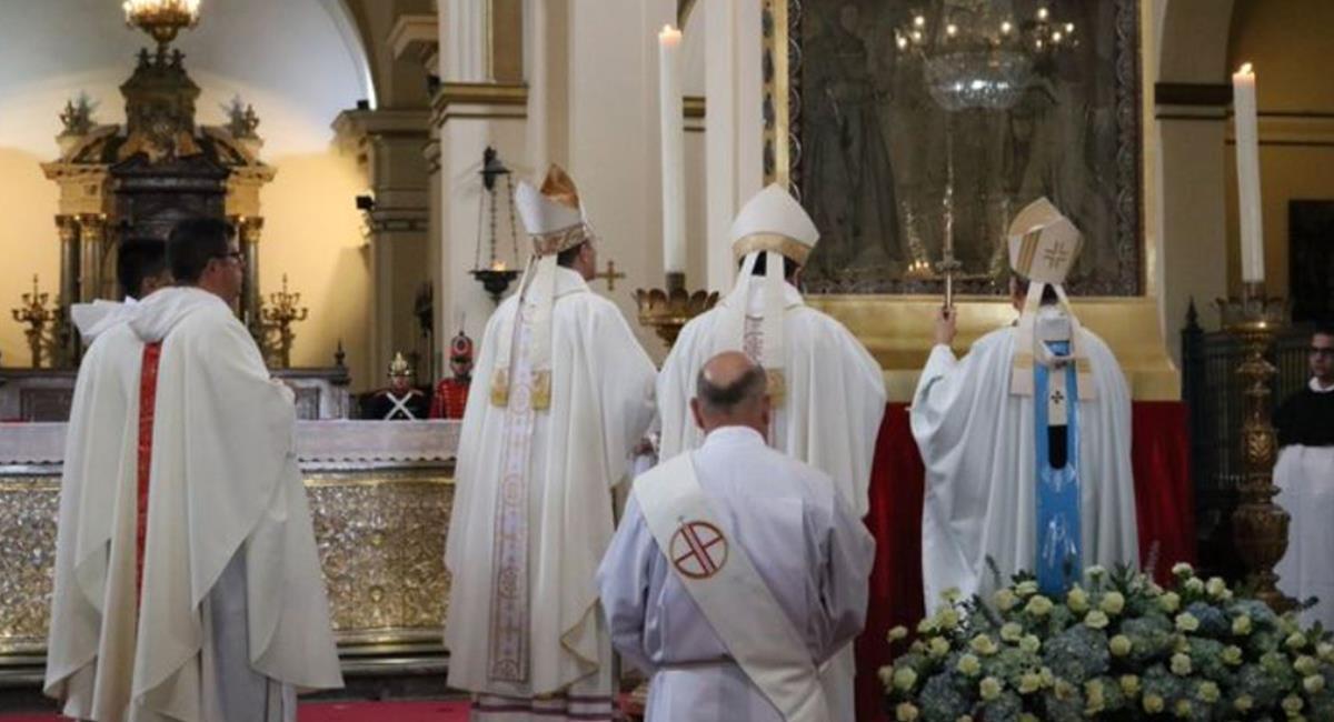 Se conmemorará a los enfermos de COVID-19 con oración a la Virgen de Chiquinquirá. Foto: Twitter @arquidiocesisbo