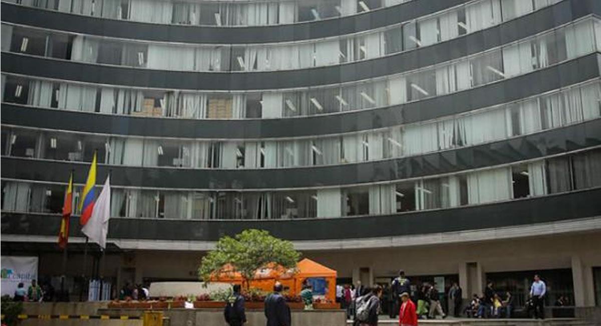 Este sería el segundo caso de personas en cargos públicos con documentos falsos. Foto: Twitter Bogotá.gov.co