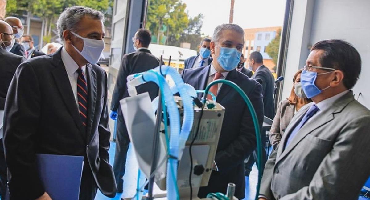 La entrega de más ventiladores al sistema de salud, frenó la 'alerta roja' en Bogotá. Foto: Twitter @MinSaludCol