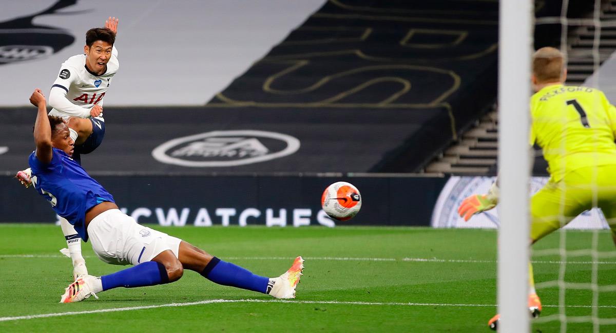 Yerry Mina en el partido ante Tottenham. Foto: EFE