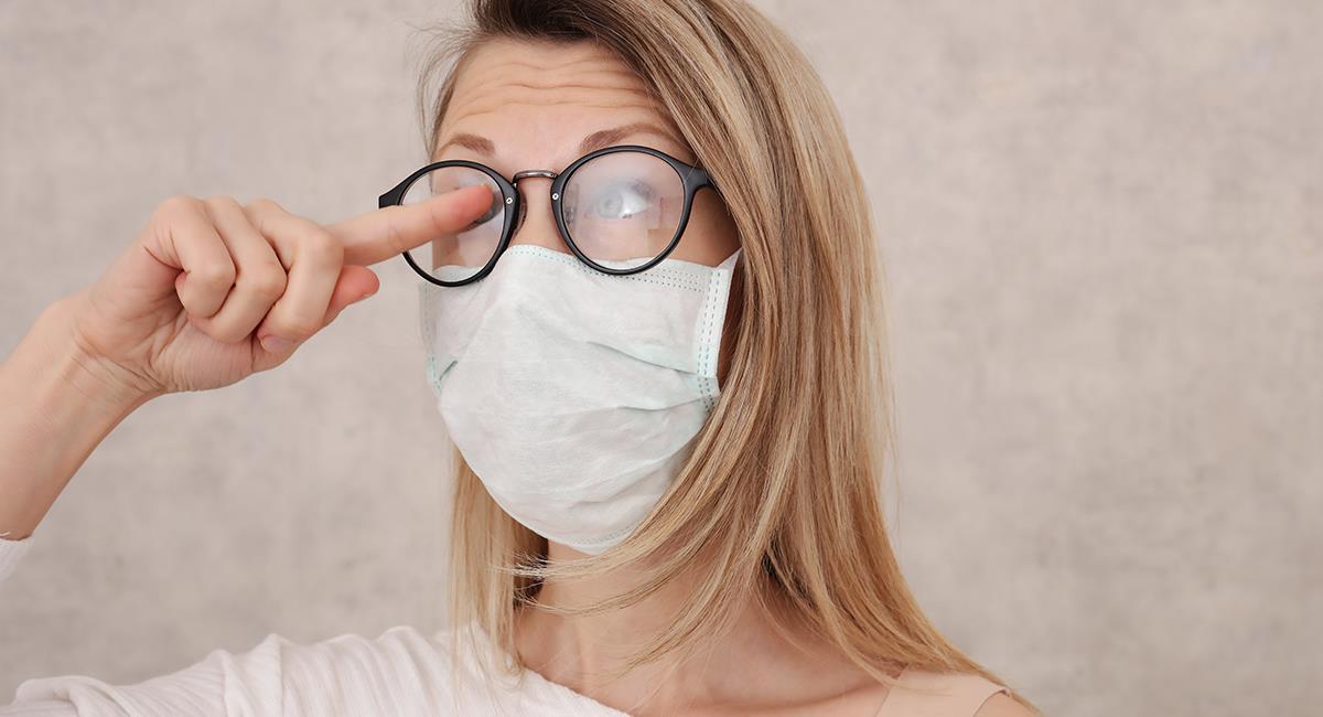 Increíble truco para que no se te empañen las gafas al usar tapabocas. Foto: Shutterstock