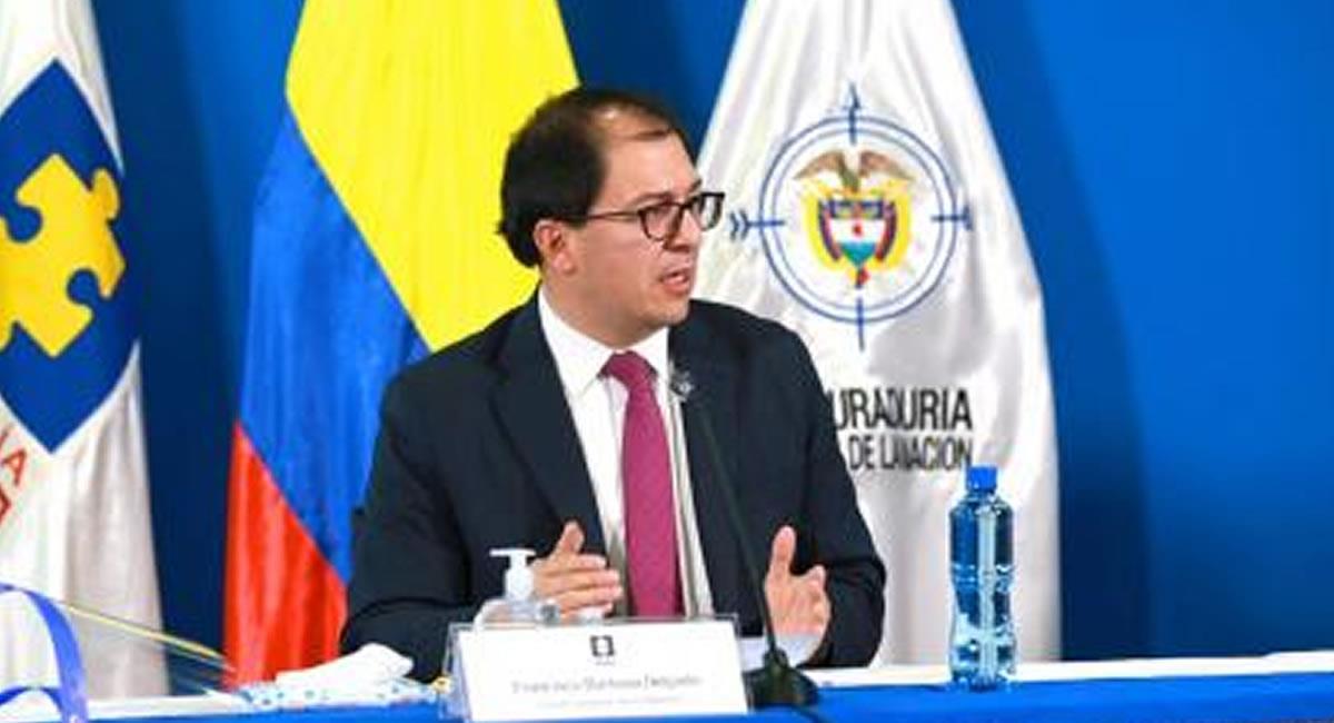 Fiscal Barbosa viajó también a 'Caño Cristales' con su familia