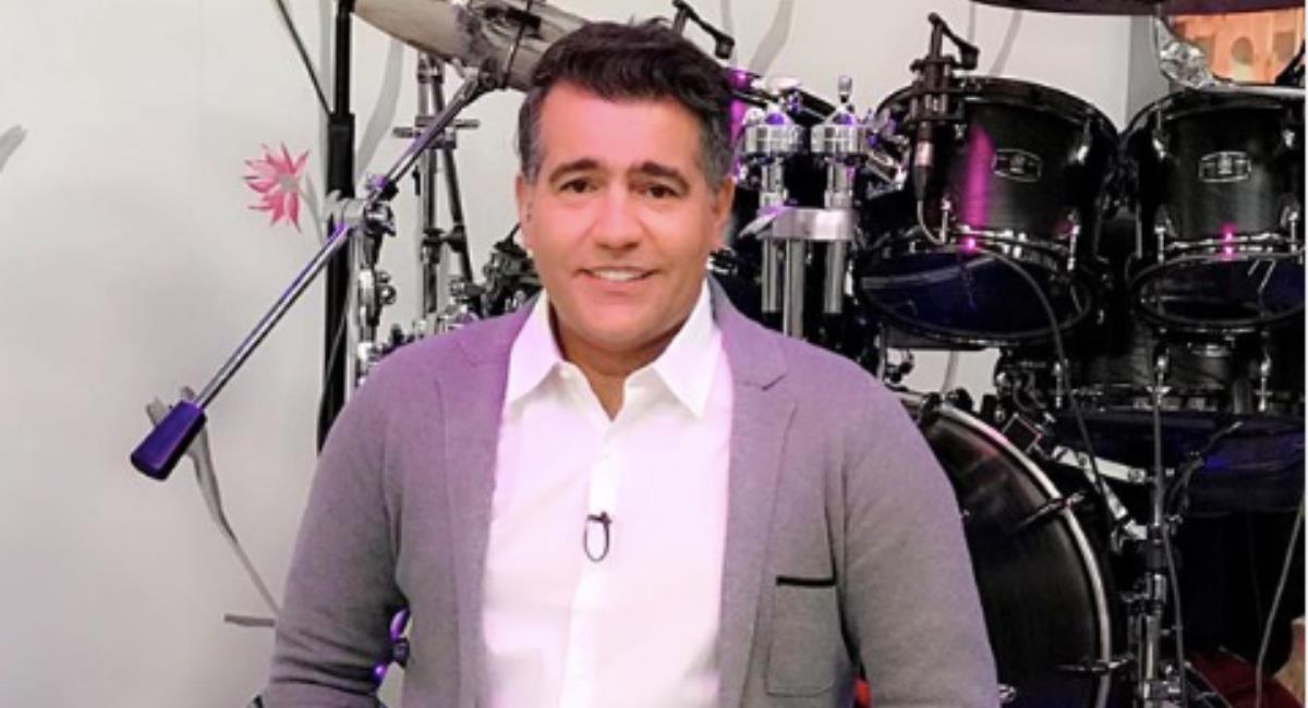 El presentador aún presenta inconvenientes. Foto: Instagram @carloscalero29.