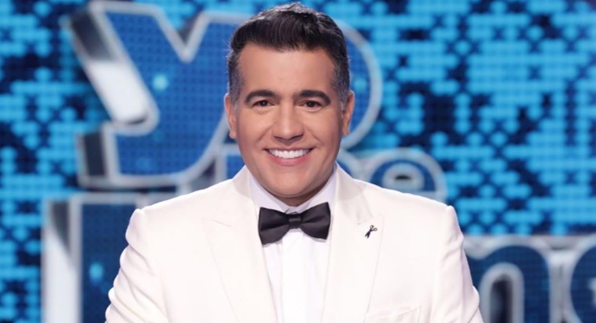 El presentador regresó desde el 28 de julio al estudio. Foto: Instagram @carloscalero29.