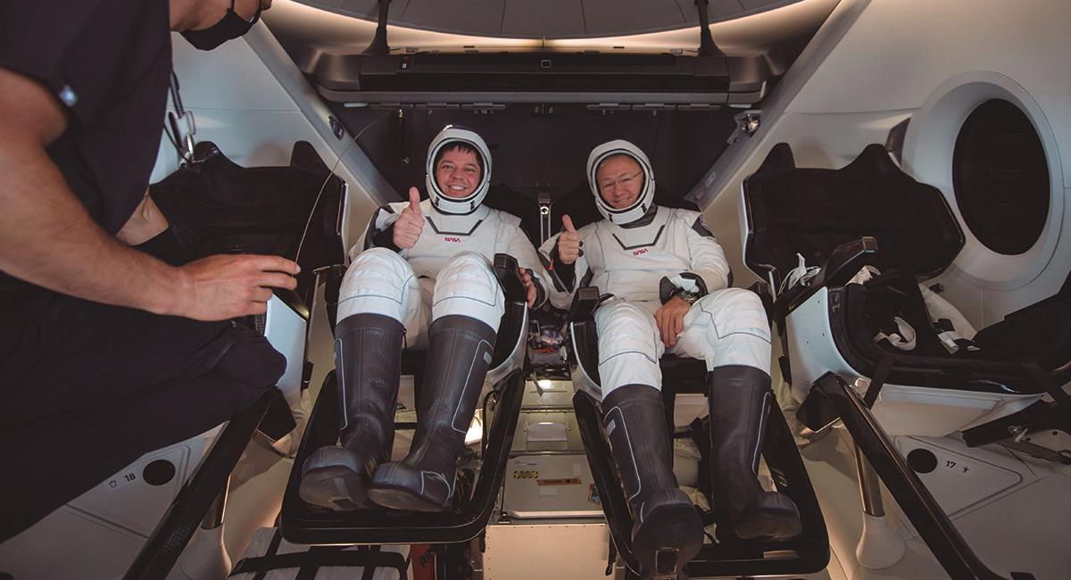 Astronautas de la NASA tras su llegada a la Tierra. Foto: EFE