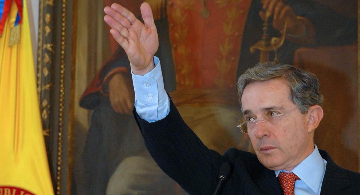 Álvaro Uribe, en la Casa de Nariño. Foto: Twitter / @Juan_EspinalR