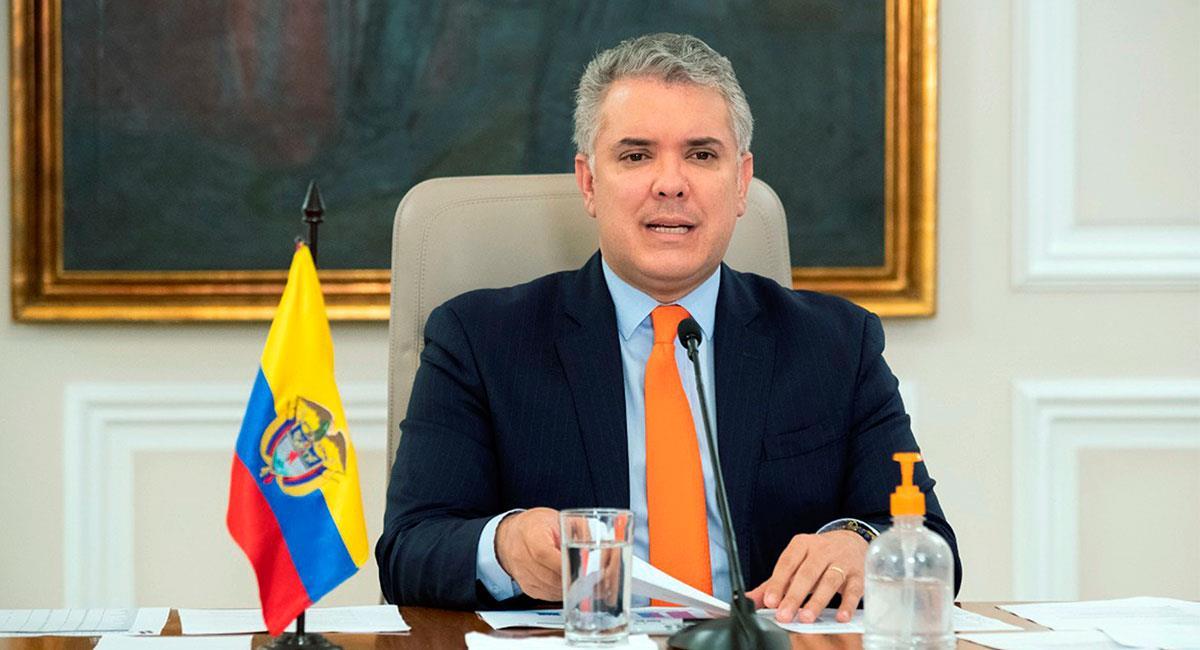 El presidente Duque es partidario de reanudar el fútbol colombiano en septiembre. Foto: EFE