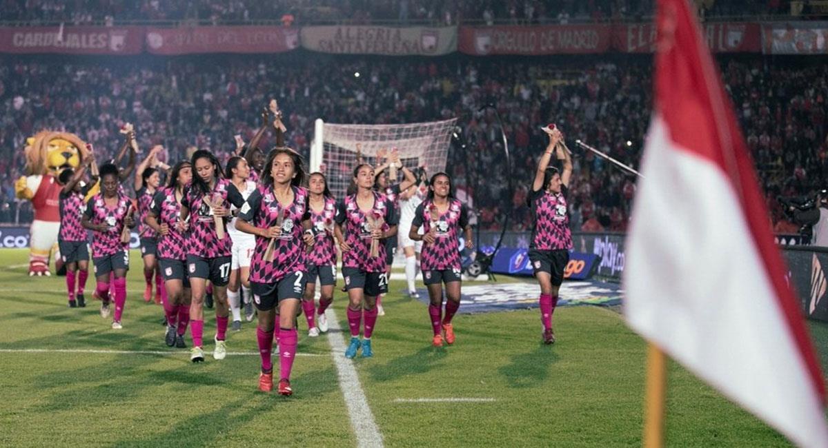 Santa Fe fue el primer campeón de la Liga Femenina en Colombia. Foto: Twitter @SantaFe