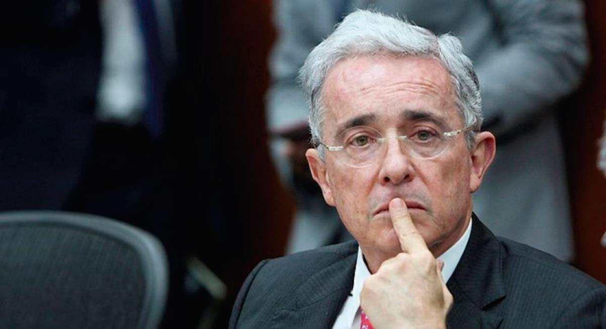 Expectativa por el futuro judicial de Uribe. Foto: Twitter @sanchezmusset