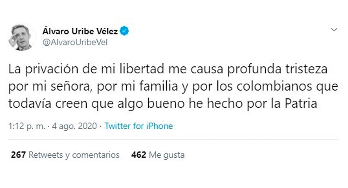 Álvaro Uribe notificó de la orden de detención domiciliaria en su contra. Foto: EFE