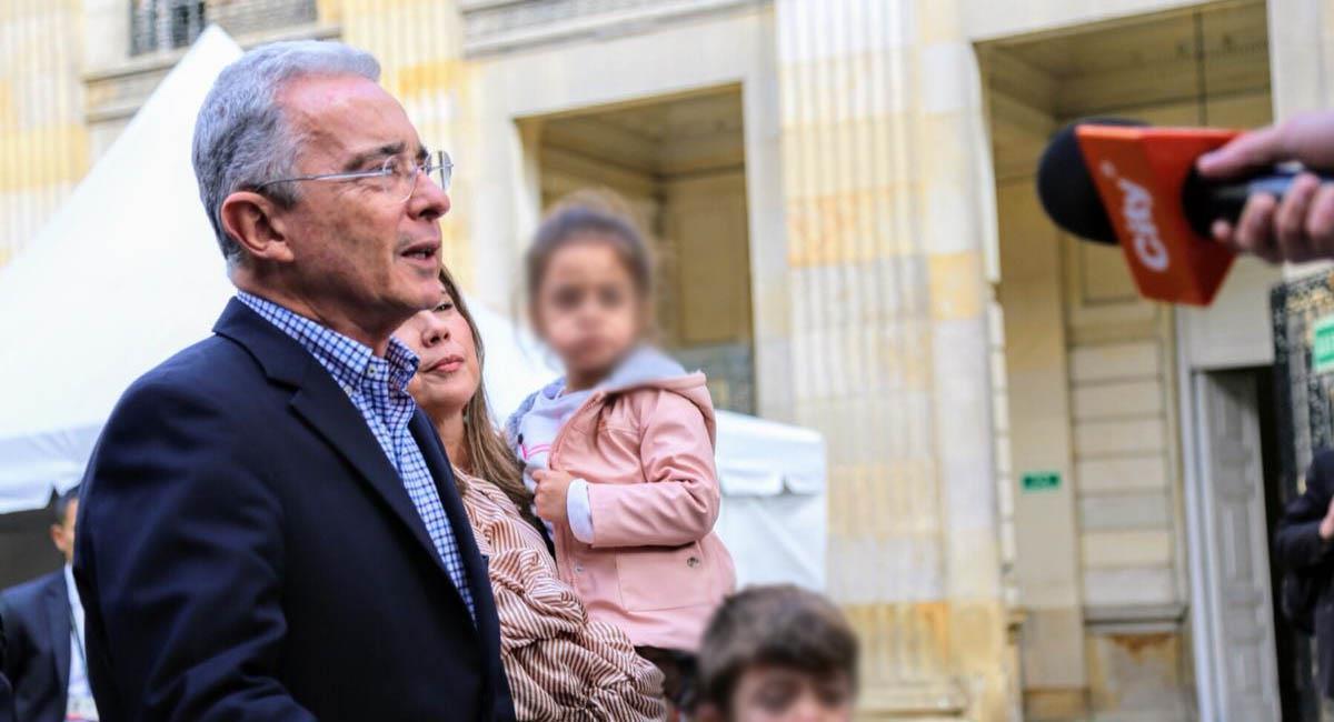 Álvaro Uribe, durante un discurso frente al Capitolio nacional. Foto: Centro Democrático