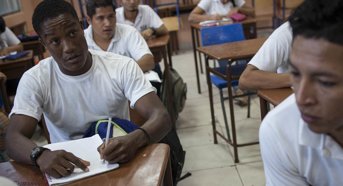 La iniciativa busca ocupar a los jóvenes que no estudian ni trabajan actualmente. Foto: Flickr
