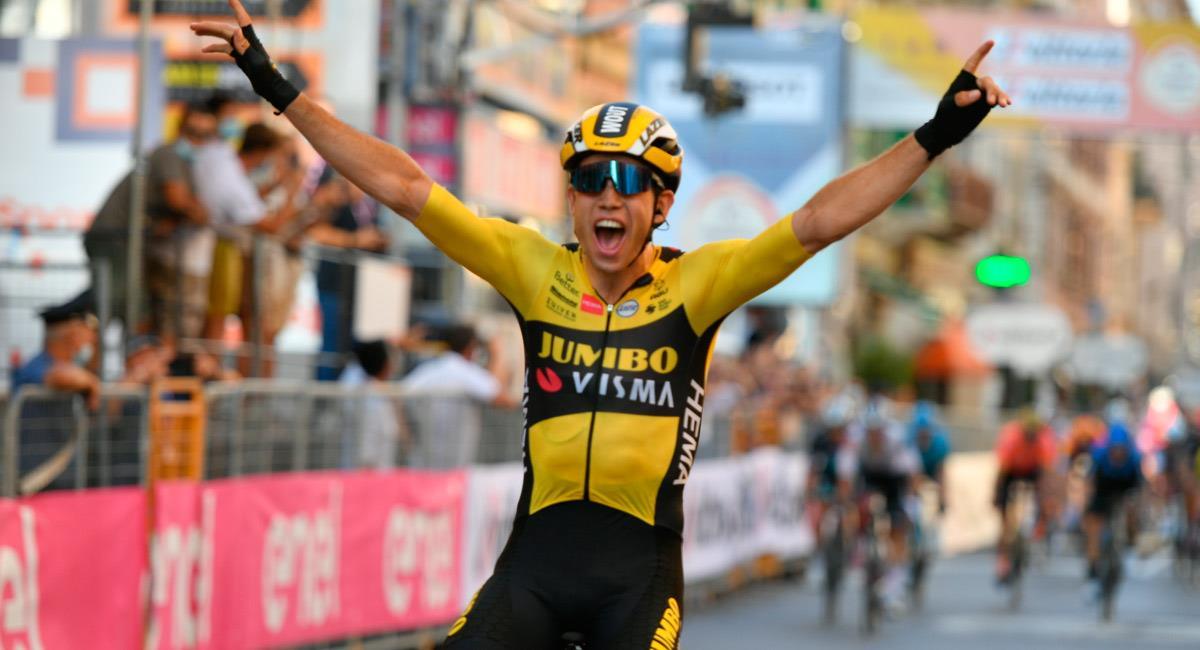 Wout Van Aert gana la Milán-San Remo de 2020. Foto: Twitter @Milano_Sanremo