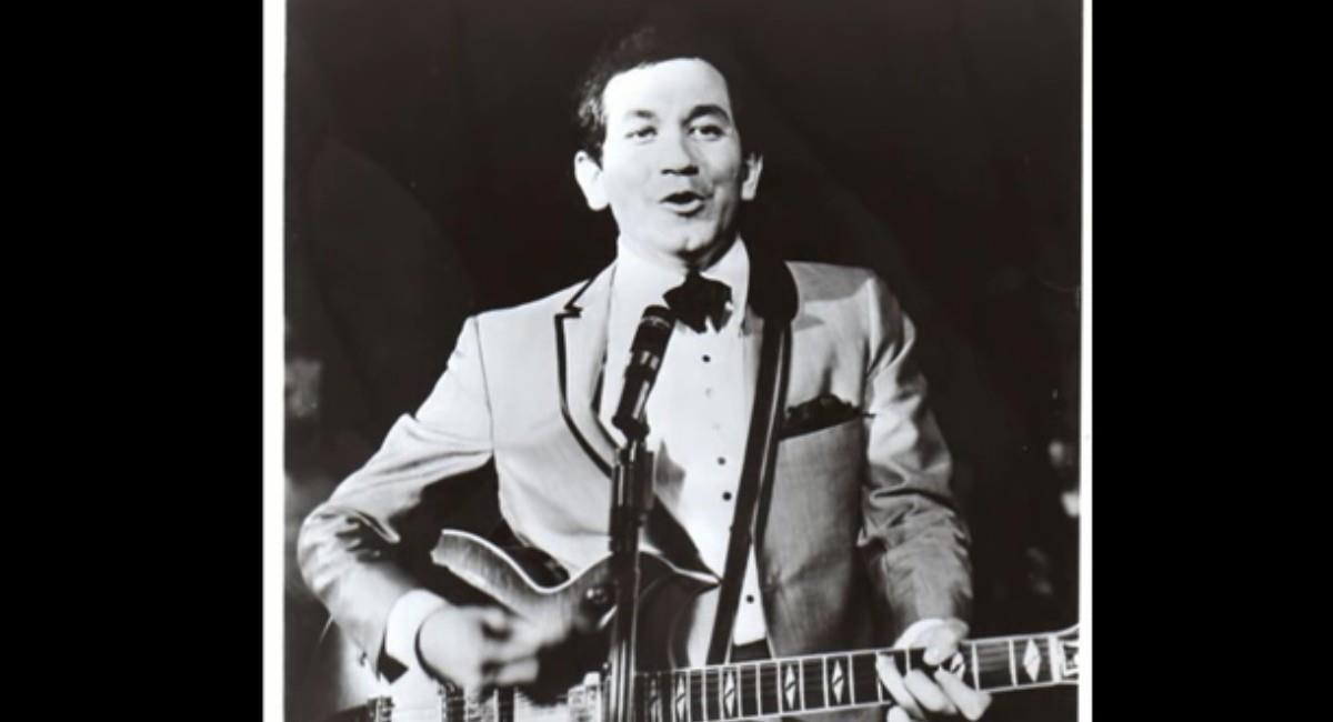 Cantante, guitarrista y actor Trini López. Foto: Youtube