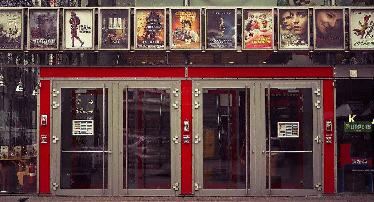La industria del cine ha sido una de las más perjudicadas por la pandemia del COVID-19. Foto: Pixabay