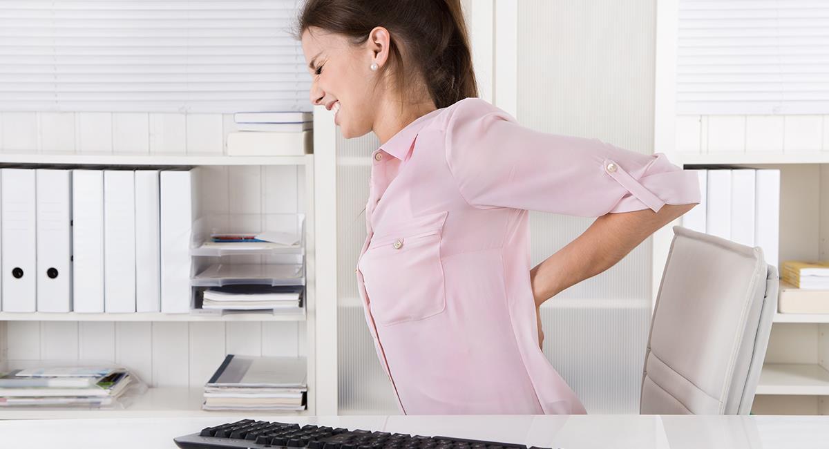 Útiles consejos para combatir el dolor de espalda por mala postura. Foto: Shutterstock