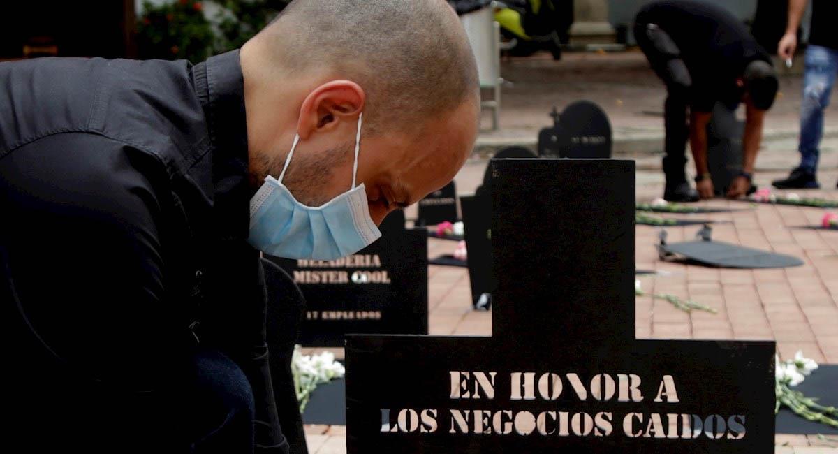Entierro simbólico de negocios 'quebrados' en Cartagena. Foto: EFE / Ricardo Maldonado Rozo