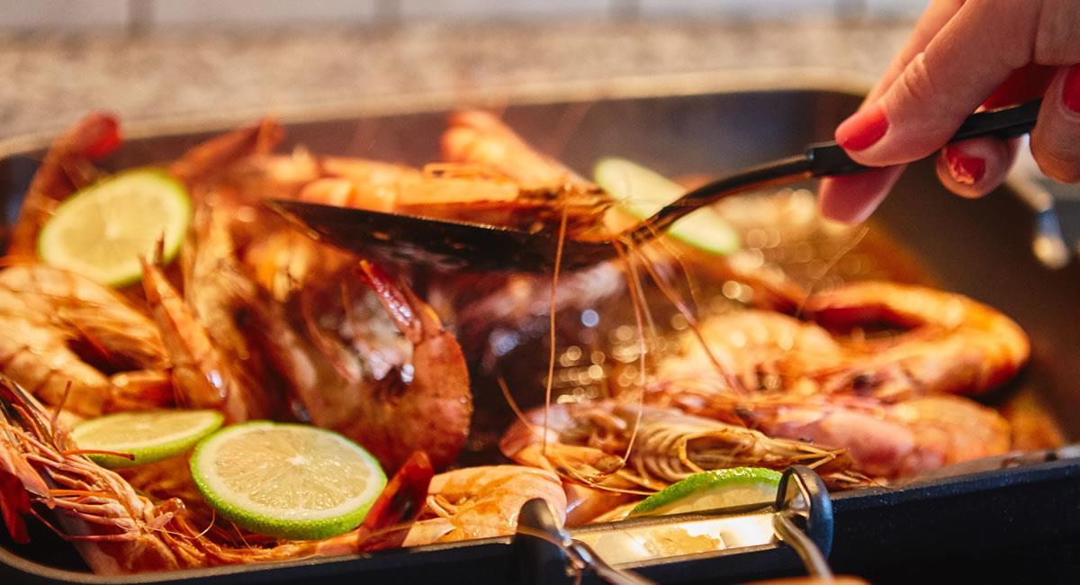 Muchos comensales arriesgados han comparado el sabor de la 'cucaracha' con el de los camarones. Foto: Shutterstock