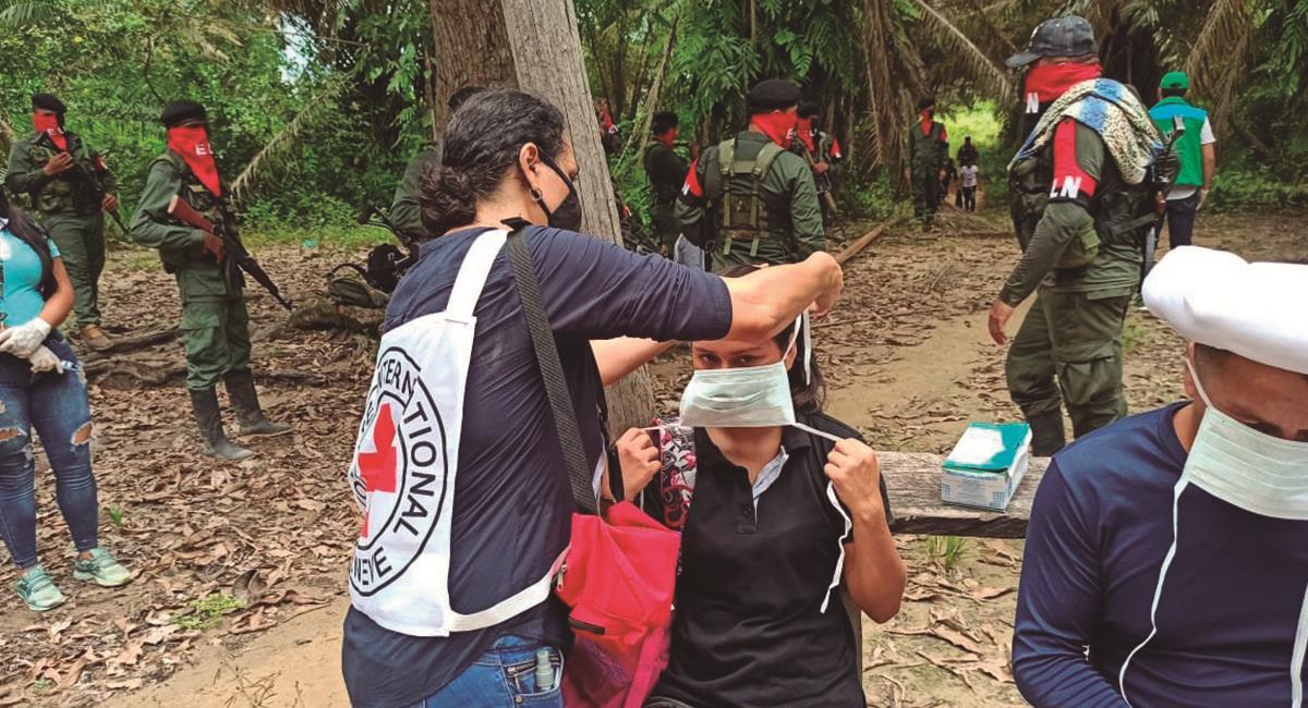 Momento de la liberación de 3 civiles. Foto: Twitter @CICR_co