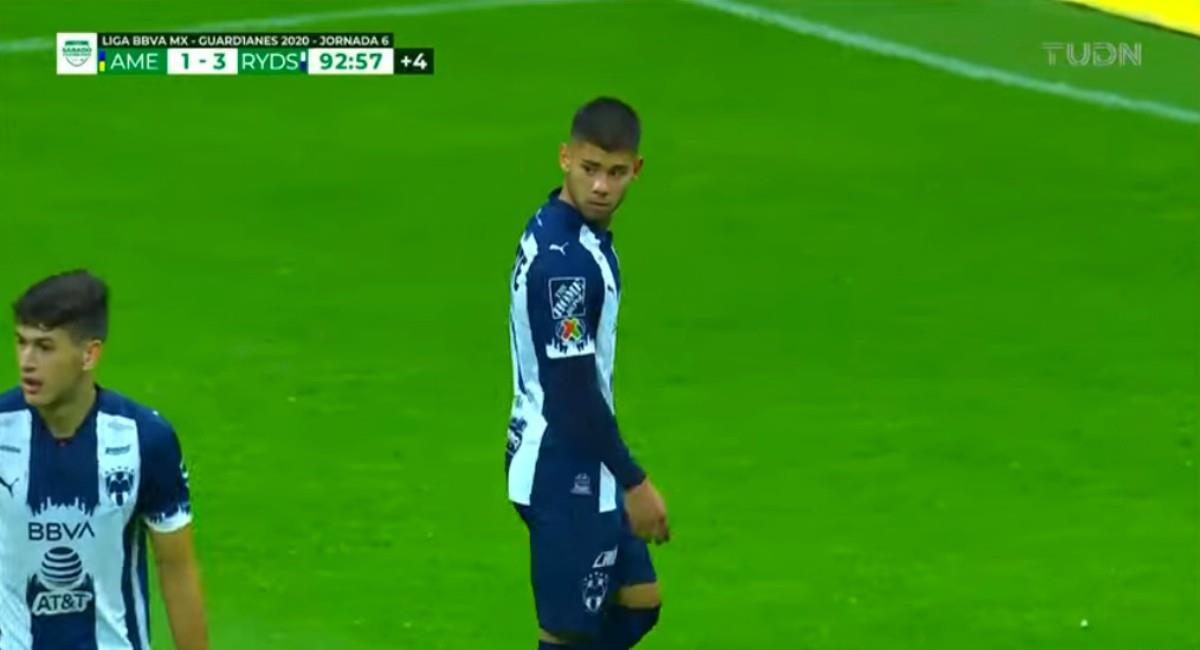 Shayr Mohamed salió expulsado al minuto de debutar. Foto: Youtube Captura pantalla TUDN México