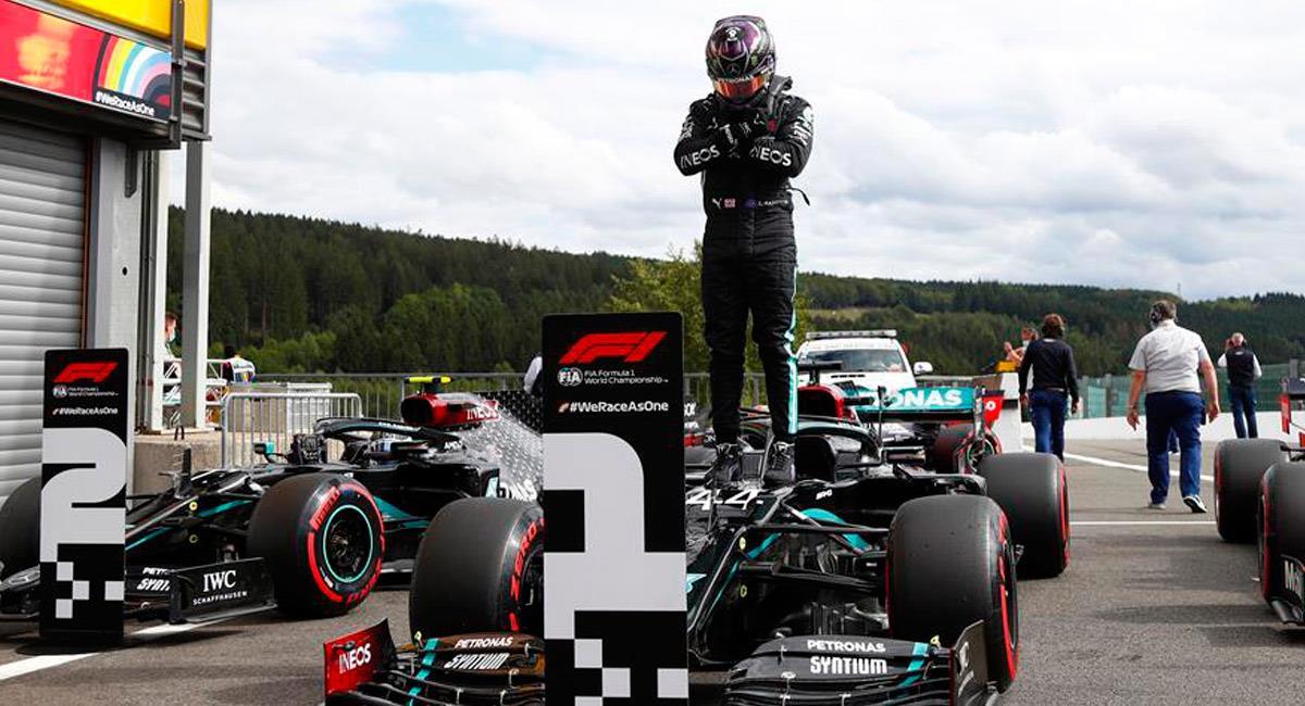 Lewis Hamilton le dedica su triunfo a 'Black Panther'. Foto: EFE