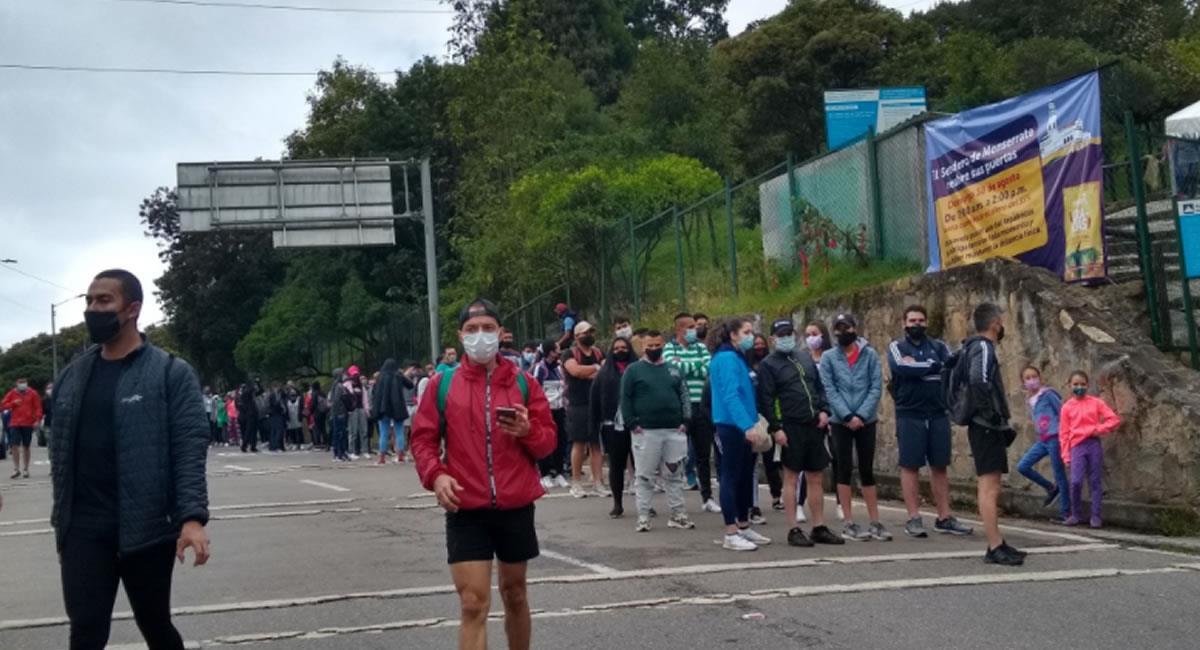 Muchos usuarios en redes sociales criticaron las aglomeraciones en el sendero de Monserrate. Foto: Twitter @JoseFobe