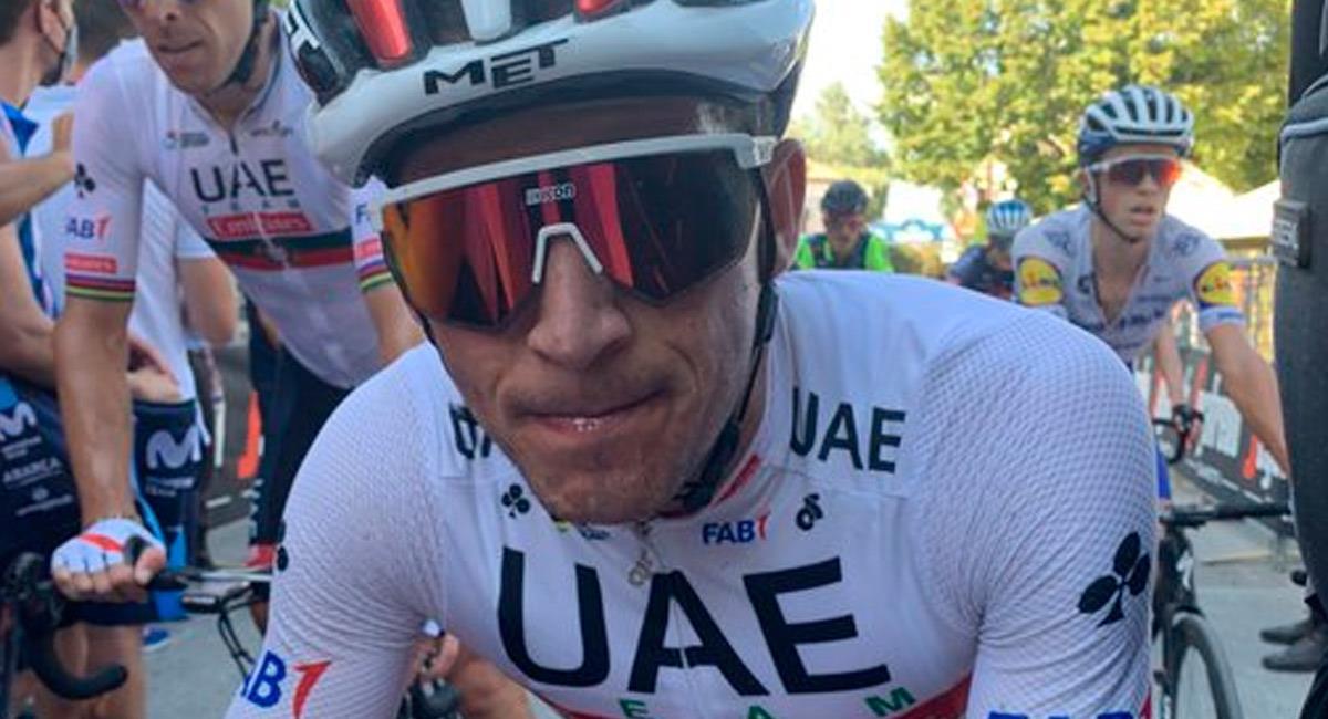 Sergio Luis Henao en la tercera etapa de la Tirreno Adriático. Foto: Twitter @TeamUAEAbuDhabi