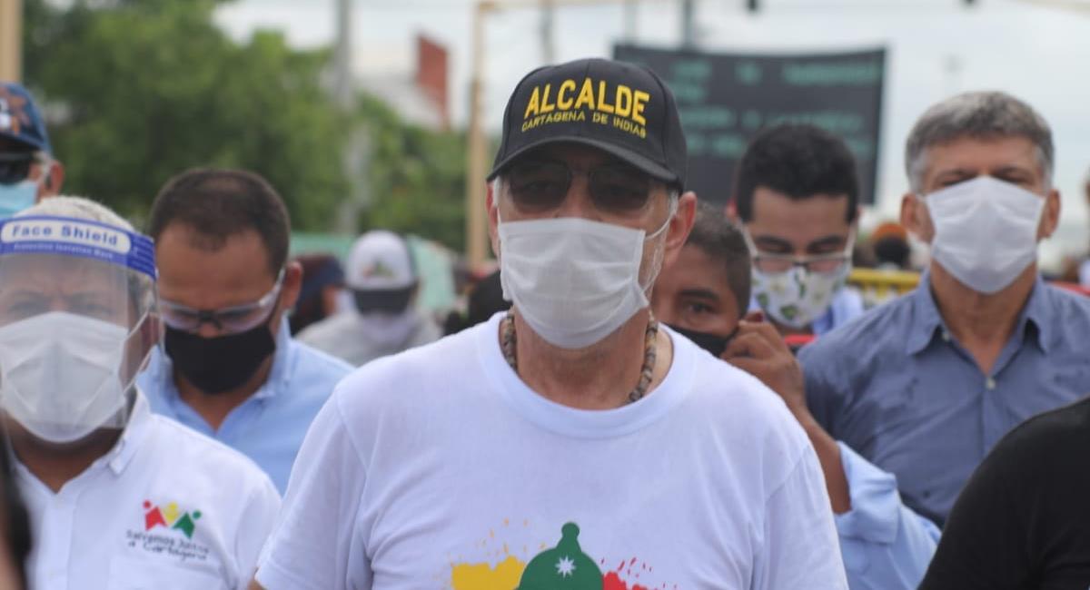 William Dau también marchó en contra del abuso policial, el pasado 12 de octubre. Foto: Twitter / @AlcaldiaCTG
