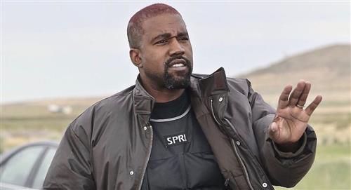 Kanye West orina sobre un Grammy y genera controversia en redes sociales