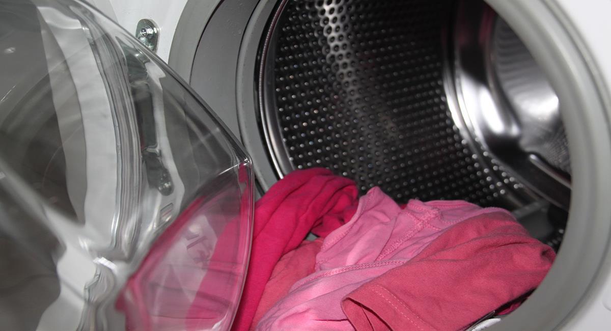 La contaminación del agua y zonas terrestres se ha producido por las microfibras de la ropa. Foto: Pixabay