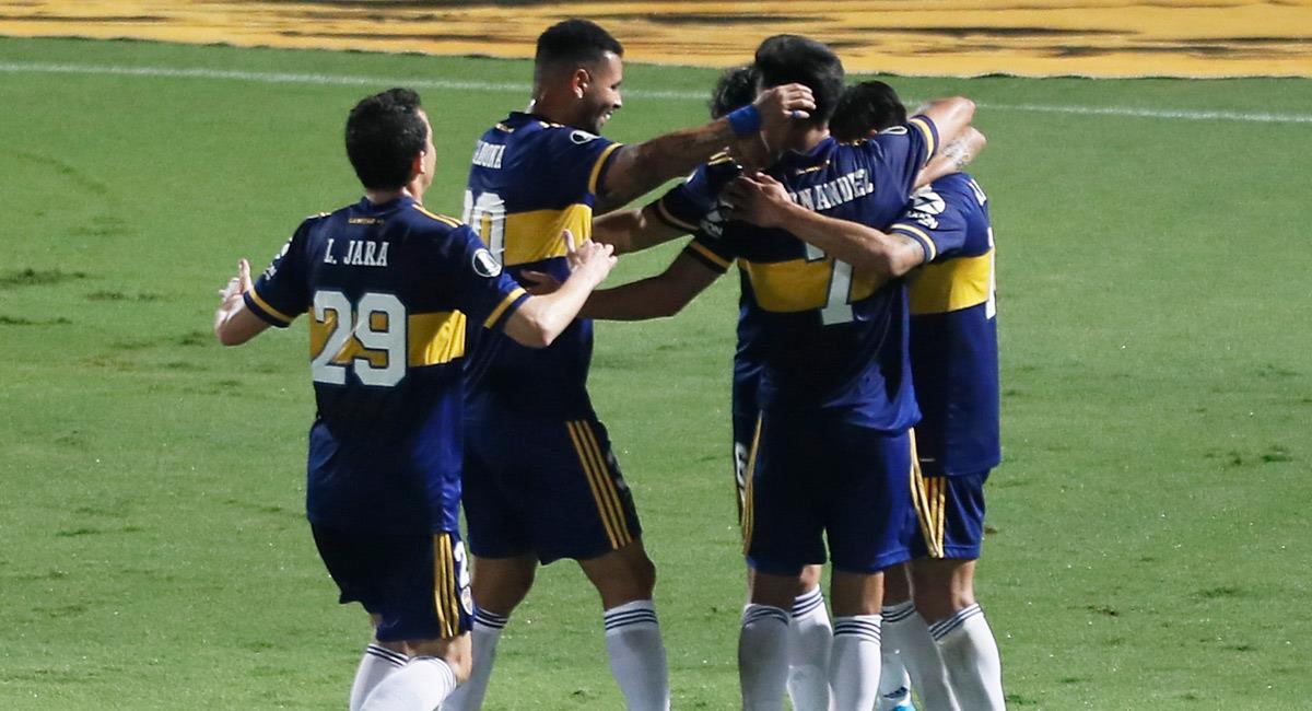 Cardona celebra con sus compañeros de Boca Juniors. Foto: Twitter @BocaJrsOficial