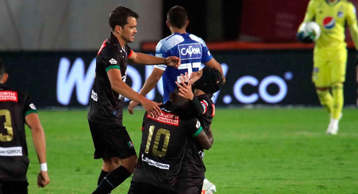 Roberto Ovelar celebra su gol con Once Caldas. Foto: Twitter @Dimayor