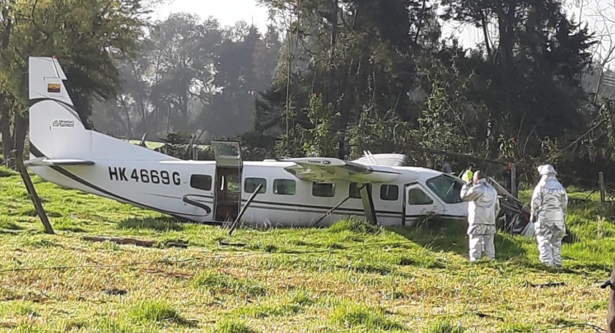 La avioneta cayó en zona desalojada. Foto: Twitter @Karlos4palomino