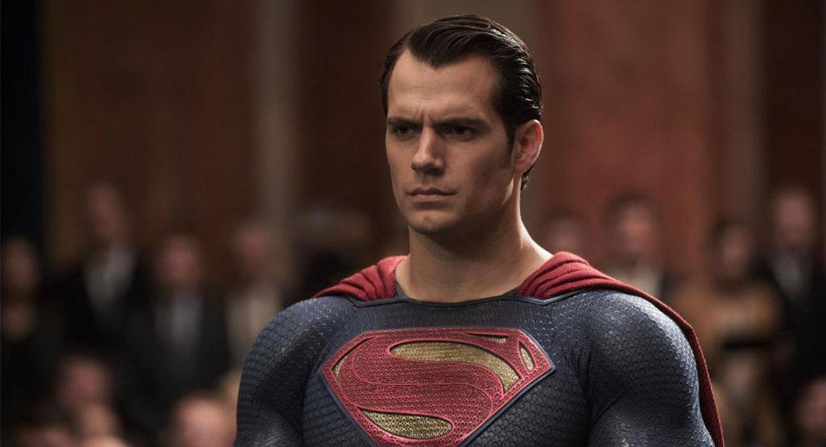 Henry Cavill tendría todo arreglado para volver a interpretar a Superman. Foto: Twitter @BatmanvSuperman